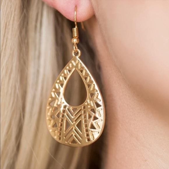 J42 Gold earrings
